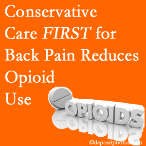 Minster Chiropractic Center delivers chiropractic treatment as an option to opioids for back pain relief.
